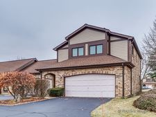 1825 Golf View Dr, Bartlett, IL 60103