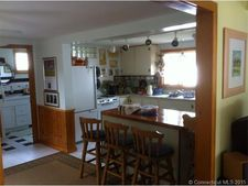 35 Old Colony Rd, Old Lyme, CT 06371