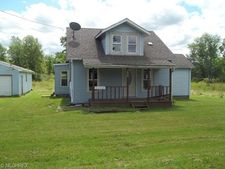 3242 Tower Rd, Dorset, OH 44032