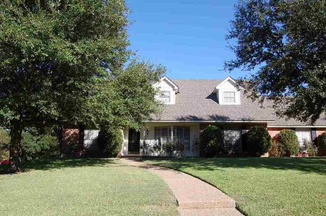 8500 gladedale dr waco tx 76712 public property for Home builders in waco texas area