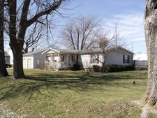 1307 Fairground Ave, Newton, IL 62448