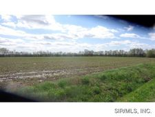 1696 Griffiths Rd, Sorento, IL 62086
