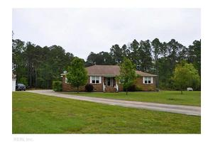 157 Speckled Perch Ln, Moyock, NC 27958