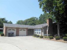 7071 Hollywood Dr, West Chester, OH 45069