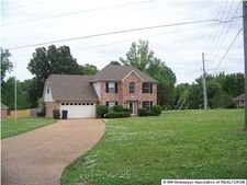 8103 Maywood Dr, Olive Branch, MS 38654