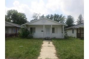 623 Studebaker St, South Bend, IN 46628