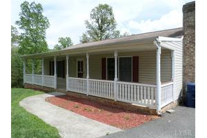 96 Twin Lakes Rd, Evington, VA 24550