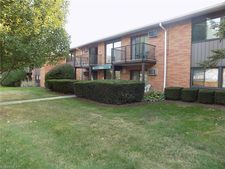 23839 David Dr Unit 203, North Olmsted, OH 44070
