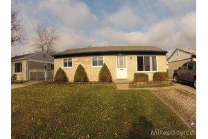 20209 Colman St, Clinton Township, MI 48035