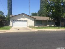 1665 Shirley St, Merced, CA 95341
