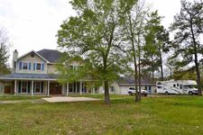 503 Countrywood Cir, Sour Lake, TX 77659
