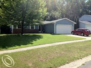 1007 Fairway Trails Dr, Brighton, MI