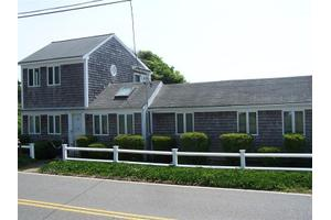 21 Uncle Venies Rd, South Harwich, MA 02645