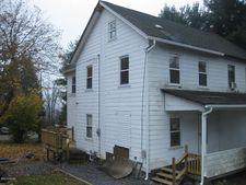 6 Main St, Oakdale, PA 18202