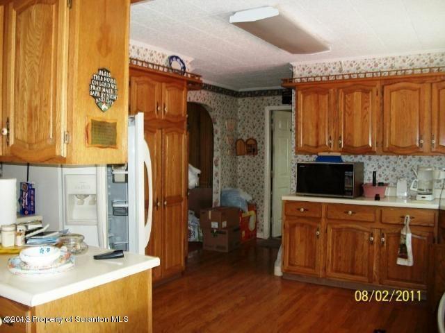12 Cherrywood Ln, Honesdale, PA 18431