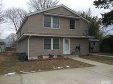 10 Morrison Pl, Patchogue, NY 11772