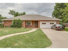 907 Hyde Park Blvd, Cleburne, TX 76033