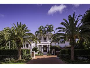 1009 Admiralty Parade, Naples, FL