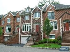28 Candlewood Dr, Old Tappan, NJ 07675