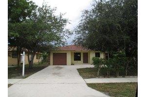 1018 Mango Dr, Delray Beach, FL 33444