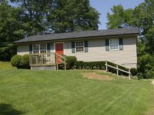 42 J Hampton Rd, Sandy Hook, KY 41171