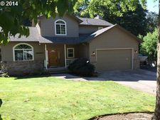 1162 S 69th St, Springfield, OR 97478