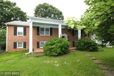 411 Jefferson Ave, Charles Town, WV 25414