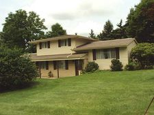 215 Pond St, White Township Ind, PA 15701