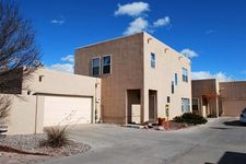 517 Phoenix Ave Nw, Albuquerque, NM 87107