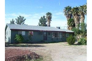 1645 Navajo Ave, Logandale, NV 89021