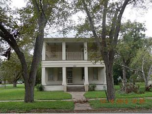 701 olive st smithville tx 78957 home for sale and