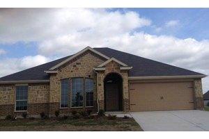 1513 Pine Tree Ln, Cedar Hill, TX 75104