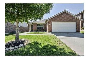 10824 Devontree Dr, Fort Worth, TX 76052