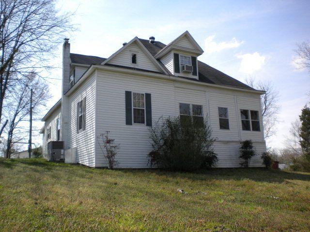 160 Cherokee Ave, Camden, TN 38320