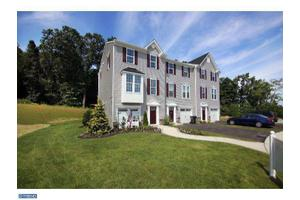 1833 Honeysuckle Ct, Downingtown, PA 19335