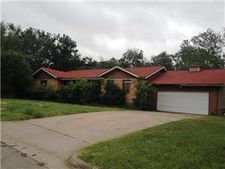 2212 Glencrest Dr, Fort Worth, TX 76119