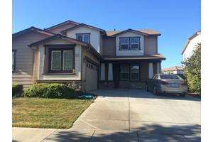 2372 S Creekside Dr, Los Banos, CA 93635