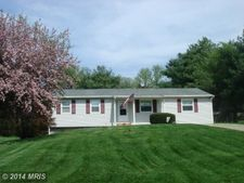 728 Cindy Ln, Westminster, MD 21157