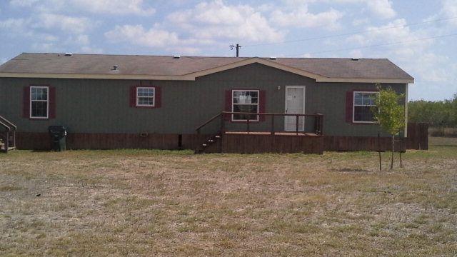 185 Westview Ln, Martindale, TX