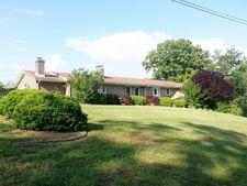 2091 Woodlake Dr, Danville, VA 24540