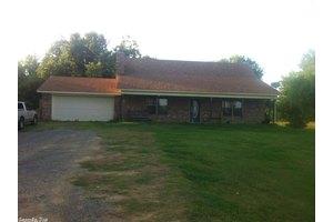 427 Clinton Rd, Conway, AR 72032