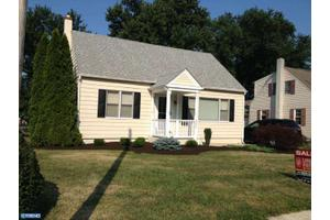 4204 Woodland Ave, Brookhaven, PA 19015