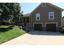 21513 W 58th St, Shawnee, KS 66218