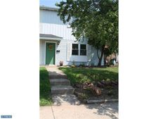 525 Colonial Dr, East Greenville, PA 18041