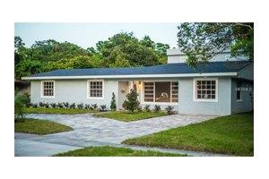 5226 Lake Howell Rd, Winter Park, FL 32792