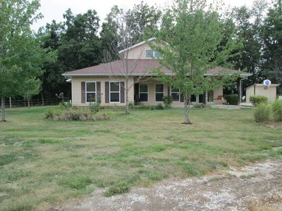 1380 Private Road 2982, Clark, MO