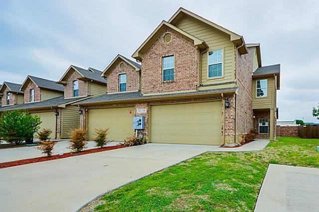 130 Barrington Ln Lewisville, TX 75067