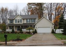 7592 Salida Rd, Mentor On The Lake, OH 44060