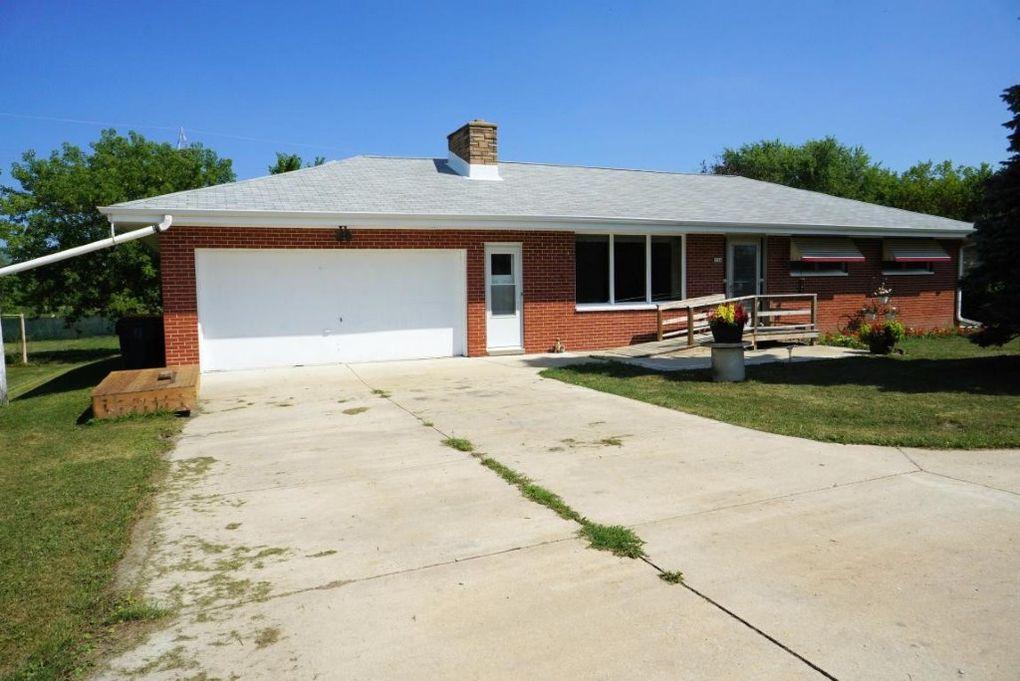 9360 s nicholson rd oak creek wi 53154 for 3 bedroom houses for rent in oak creek wi