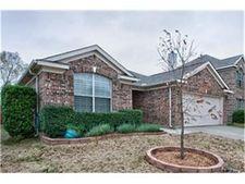 9905 Chadbourne Rd, Fort Worth, TX 76244